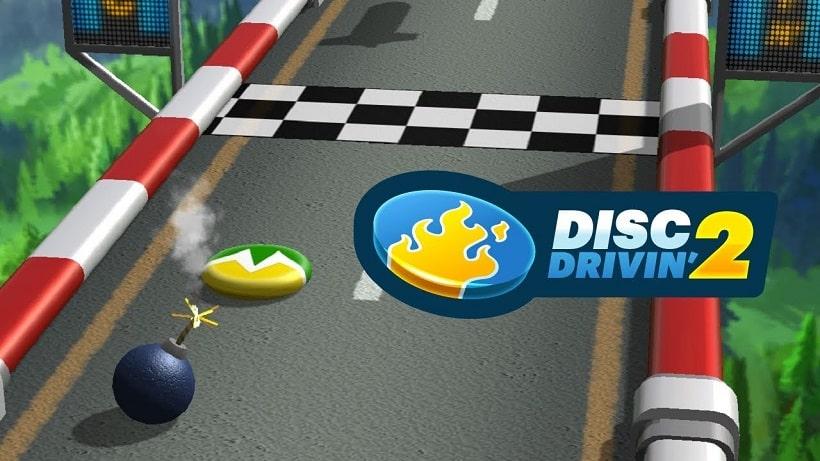 Schnibbelt in Disc Drivin' 2 eure Gegner von der Bahn