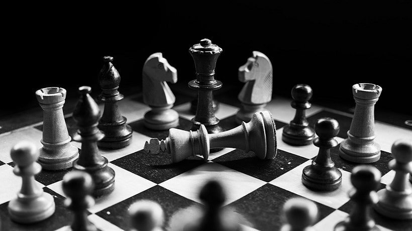 Schach spielen und lernen – holt euch die App hier!